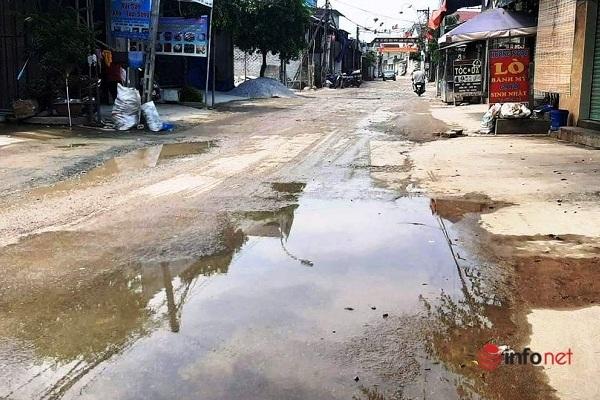 Nghệ An: Khốn khổ vì 200m đường ngập trong nước thải suốt nhiều tháng trời