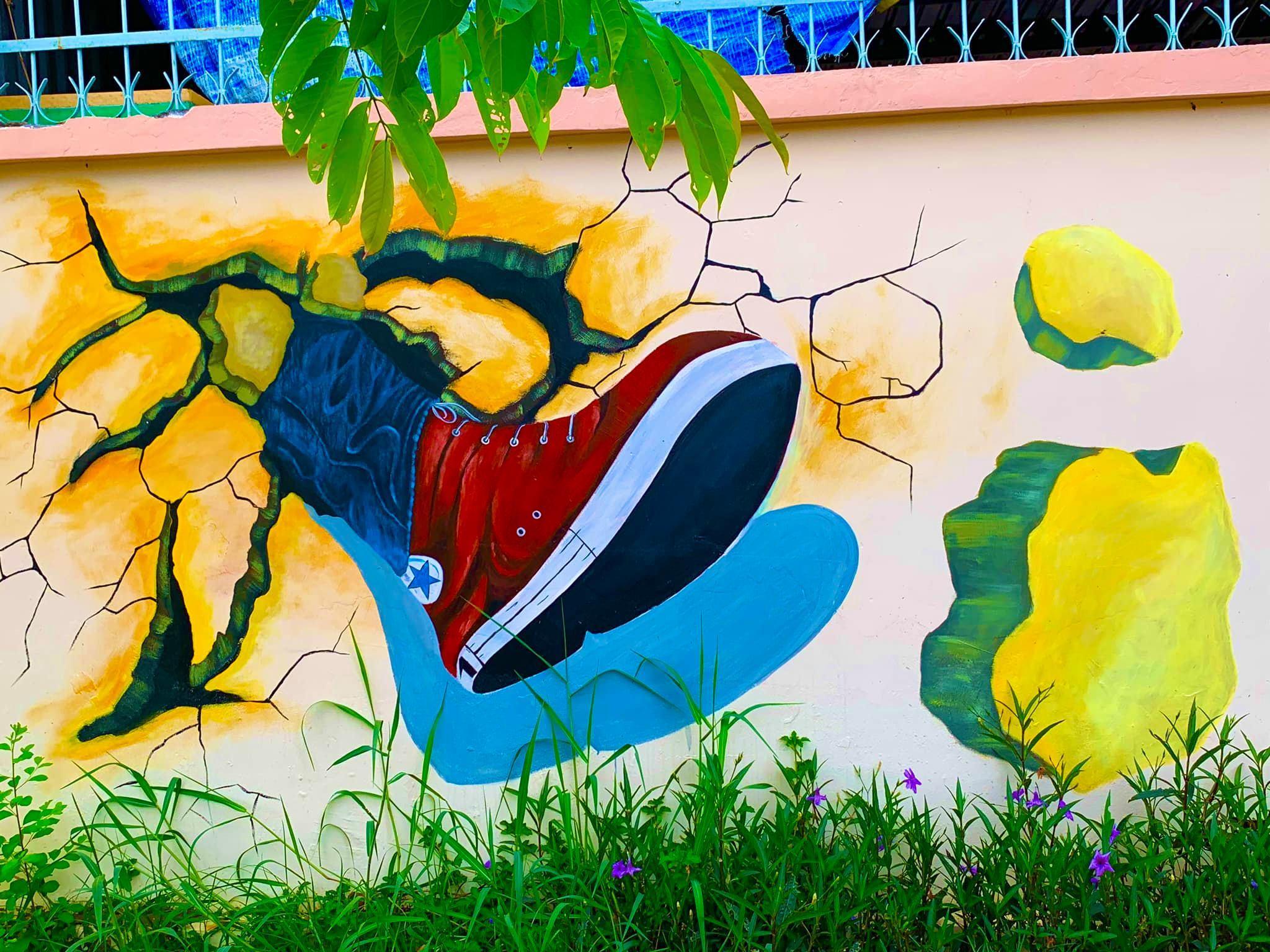 tranh bích họa sống động tại trường nhà người ta