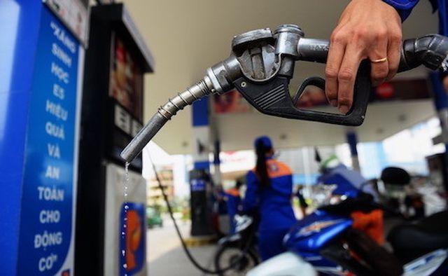 """Vì sao hàng loạt cửa hàng xăng dầu đóng cửa, treo biển """"hết xăng""""?"""