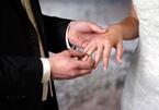 Bác sĩ và y tá kết hôn ngay trong bệnh viện vì Covid-19