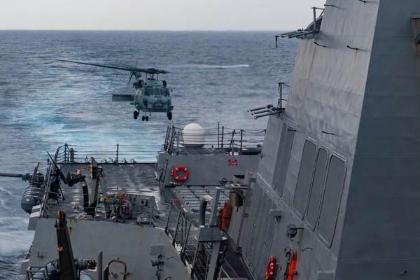 Soi độ 'khủng' của chiến hạm Mỹ vừa bị Trung Quốc xua đuổi ở Biển Đông