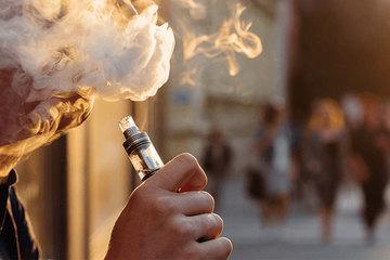 """""""Thanh niên Việt Nam nói không với thuốc lá và thuốc lá điện tử"""""""