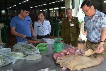 Long Biên kiểm tra 173 cơ sở kinh doanh trong tháng an toàn thực phẩm