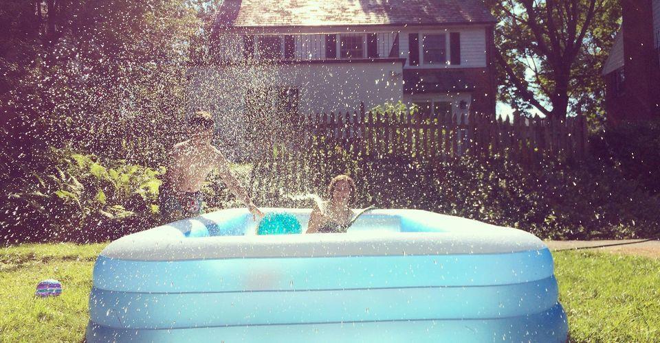 cách mua bể bơi bơm hơi cho trẻ em