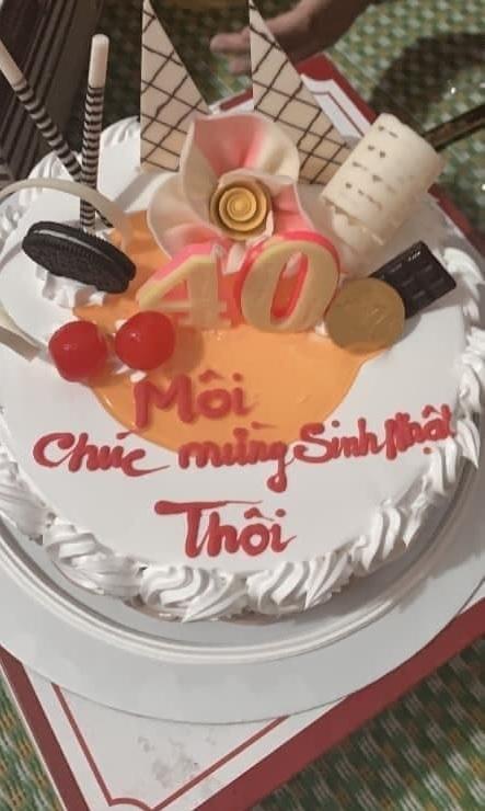 Cười 'rớt hàm' với những lời chúc lệch pha trên bánh sinh nhật