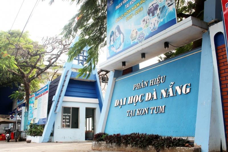 Kỷ luật một cán bộ ĐH Đà Nẵng vì nhắn tin 'thiếu chuẩn mực' cho nữ chuyên viên