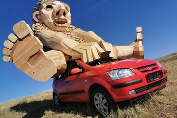 Độc đáo những bức tượng gỗ khổng lồ làm từ phế liệu ở Đan Mạch