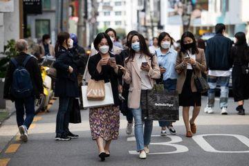 Khẩu trang loại nào đang cháy hàng giữa nắng nóng ở Hàn Quốc?