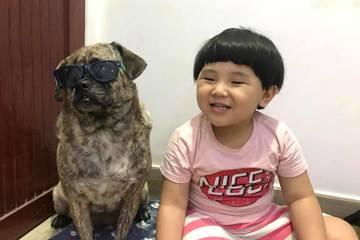 Cậu bé đầu nấm và chú chó mặt dữ khiến dân mạng 'điên đảo' vì độ dễ thương