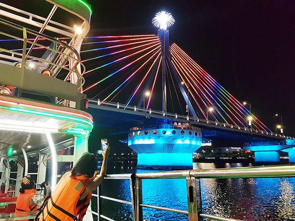 Đà Nẵng: Từ tối 6/6, tổ chức lại phun lửa, phun nước cầu Rồng, quay cầu Sông Hàn