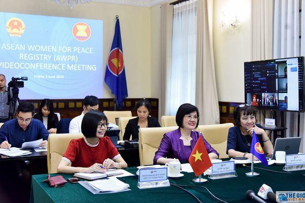Nhóm Phụ nữ ASEAN vì Hòa bình họp trực tuyến