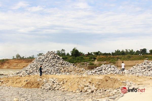 Nghệ An: Khi nào xử lý xong sự cố sập đập tràn trên sông Lam?