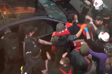 Người đàn ông có vũ trang lái xe vào đám đông người biểu tình ở Mỹ