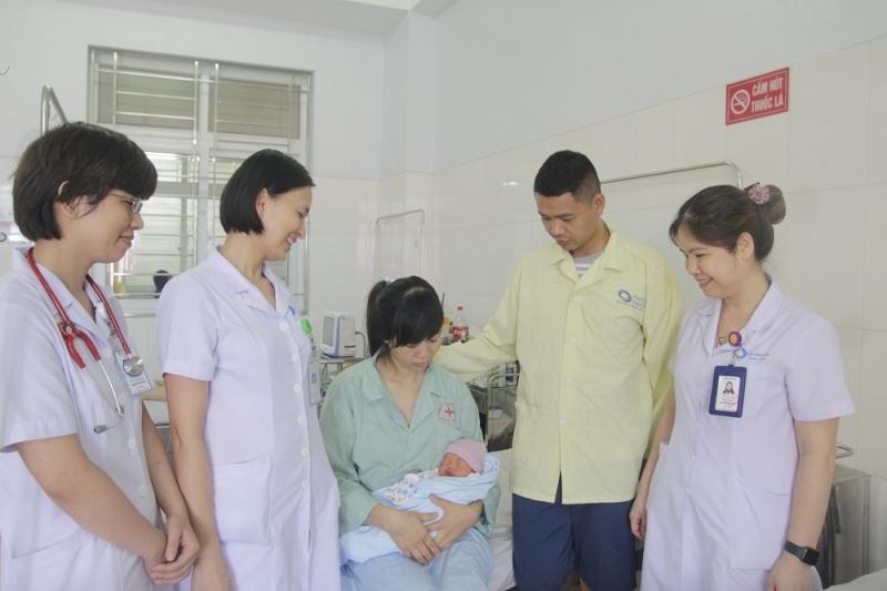 Bật báo động đỏ cứu sống sản phụ bị xoắn tử cung hiếm gặp