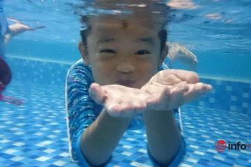 """Thầy dạy bơi chia sẻ """"thời điểm vàng"""" cho trẻ học bơi thành công"""