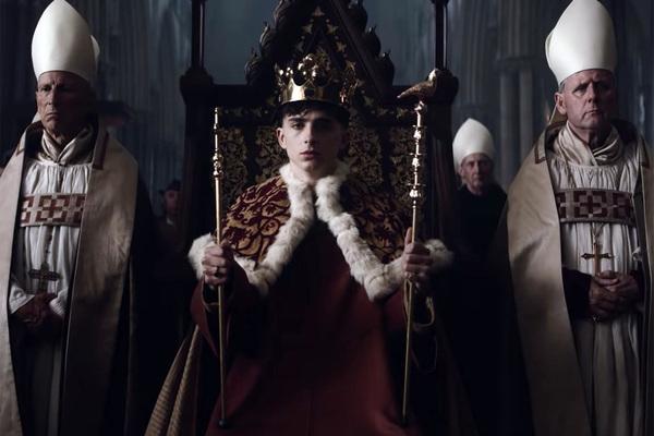 Người đàn ông phát hiện ra nguồn gốc hoàng gia và làm điều không tưởng