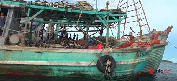 Bộ Tư lệnh vùng CSB4 bắt giữ tàu mua bán, vận chuyển dầu DO trái phép