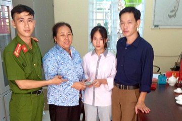 Thanh Hóa: Nhặt được gần 40 triệu đồng, nữ sinh lớp 8 nhất quyết mang trả người đánh rơi