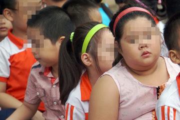"""Nhiều mẹ Việt tối ngày nhồi ép con tăng cân mà quên mất """"chỉ số vàng"""" chiều cao"""