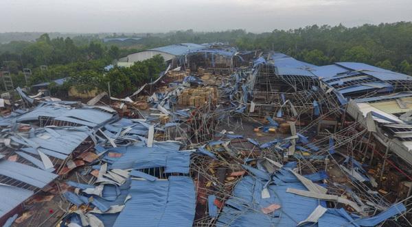 Cảnh hoang tàn sau vụ lốc xoáy làm 3 người chết, gần 20 người bị thương ở Vĩnh Phúc