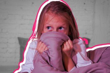 Những cách đơn giản giúp con vượt qua nỗi sợ bóng tối
