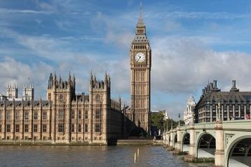 Vương quốc Anh sẽ tăng thuế để tăng ngân sách chống dịch