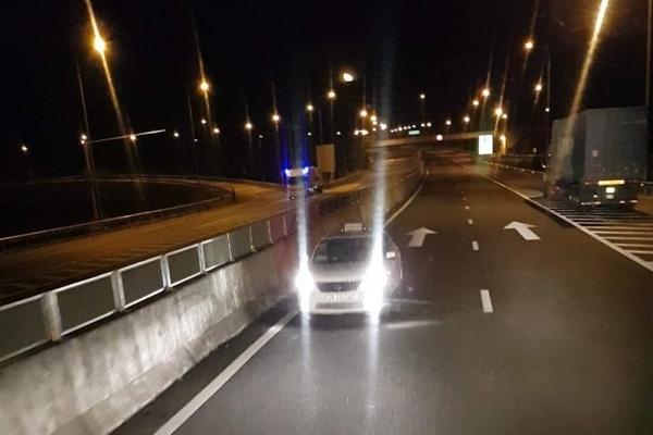 Vụ taxi chạy ngược chiều trên cao tốc: Người quay clip kể gì?