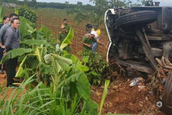Tai nạn liên hoàn khiến 10 người thương vong ở Đắk Nông: Do xe mất thắng?