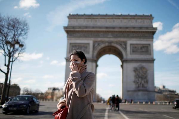 Thanh niên Pháp trở thành nạn nhân chính của cuộc khủng hoảng do Covid-19