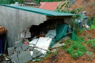 Thanh Hóa: Lốc xoáy sập tường,bé trai 3 tuổi tử vong, mẹ bị thương nặng