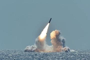 Kho vũ khí của các cường quốc hạt nhân trên thế giới đang giảm dần?