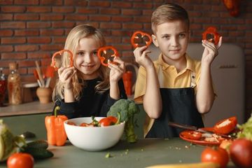 Trẻ em các nước ăn gì cho bữa trưa?