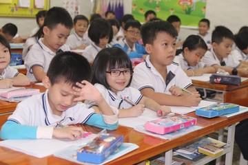 Chuyên gia chia sẻ bí quyết giúp con đỡ ốm vì đi học trời nắng nóng