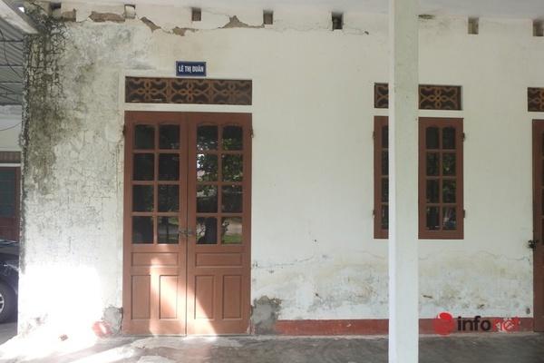 Trường cũ xập xệ dọa sập chuyển làm trụ sở phòng giáo dục