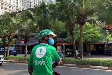 Nỗi niềm cử nhân chạy xe ôm công nghệ để bám trụ thành phố