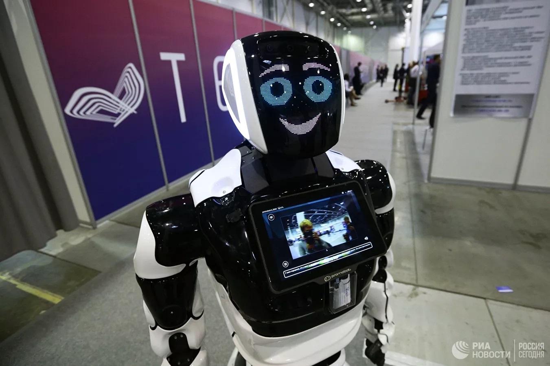 'Siêu' Robot Promobot của Nga làm việc tại sân bay Istanbul