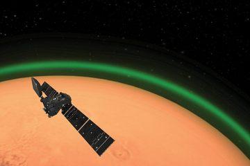 Phát hiện ánh sáng xanh hiếm có về dấu hiệu sự sống trên sao Hỏa