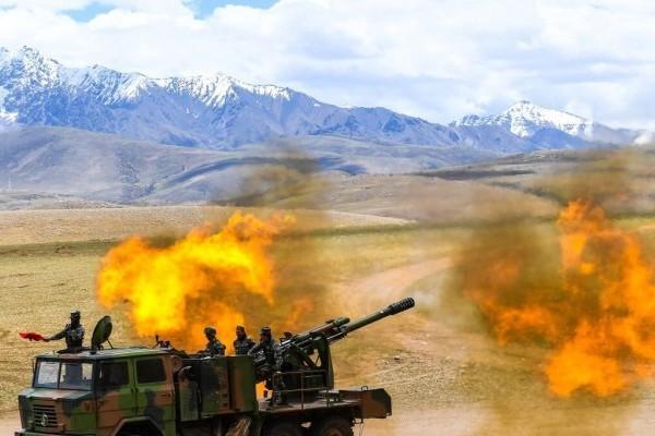 Trung Quốc tập trận bắn đạn thật cách nơi đụng độ với Ấn Độ 1.000 km