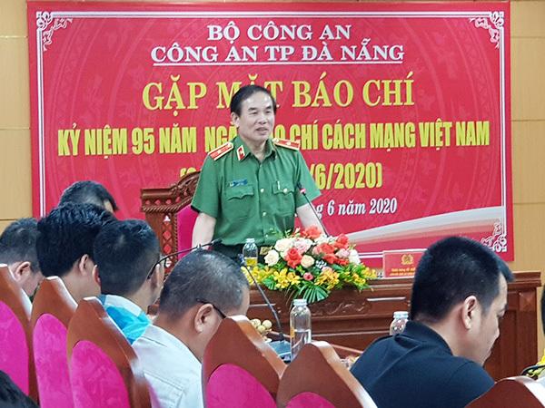 Đà Nẵng: Phá đường dây làm giả thẻ nhà báo, thẻ ngành công an cực kỳ tinh vi