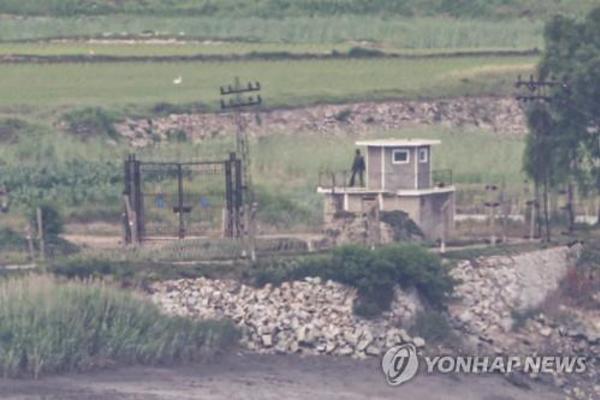 Triều Tiên sắp thả 12 triệu tờ rơi vào Hàn Quốc, tiếp tục điều quân tới DMZ