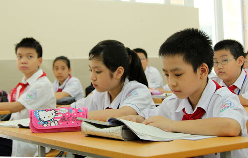 Khốc liệt tỉ lệ chọi 1/20 vào lớp 6 trường 'hot' ở Hà Nội
