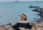 Cách mix đồ cực chất của hot girl được Quang Hải 'để mắt'
