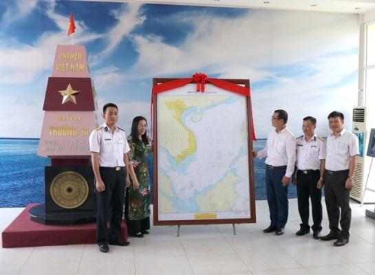 Tiếp nhận Hải đồ Việt Nam có tọa độ các quần đảo Hoàng Sa, Trường Sa