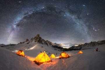Lạc giữa Ngân Hà qua 15 bức ảnh trời đêm đẹp 'nghẹt thở'