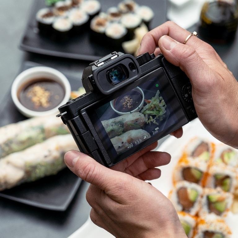 Panasonic ra mắt LUMIX G100 không gương lật tốt nhất cho Vlog và Video sáng tạo