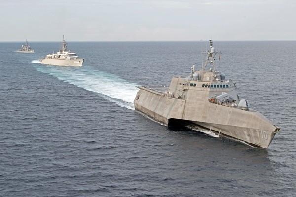 Chiến hạm Mỹ tập trận cùng 2 tàu Nhật Bản trên Biển Đông