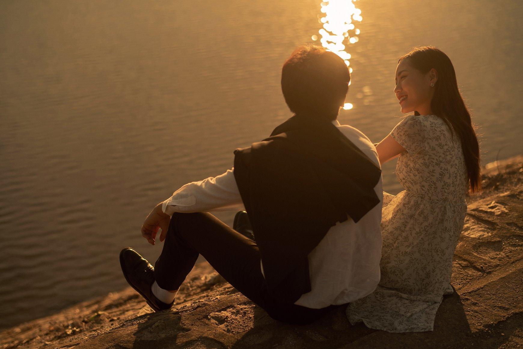 Ấn tượng bộ ảnh 'chill' dưới ánh hoàng hôn phong cách Hongkong