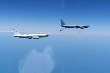Cận cảnh tiêm kích Su-30 áp sát máy bay Mỹ trên Biển Đen