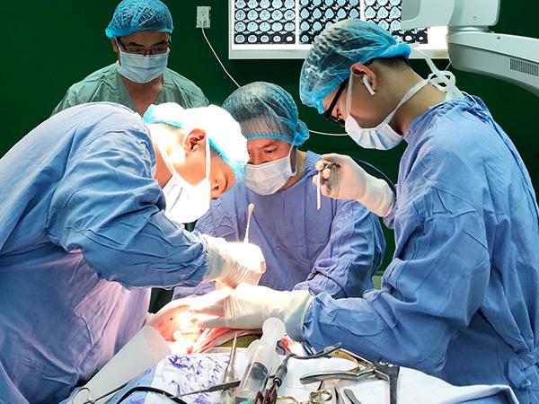BV Đà Nẵng phẫu thuật thành công cho bệnh nhi 6 tháng tuổi hẹp sọ bẩm sinh hiếm gặp
