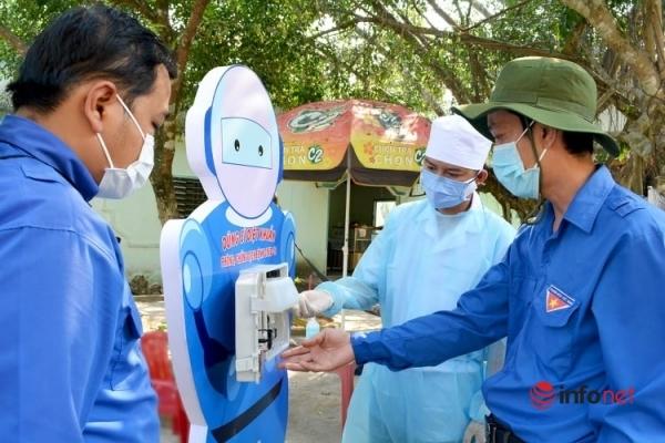 Giảng viên sáng chế 'Dũng sĩ diệt khuẩn', nước rửa tay sát khuẩn ứng dụng thiết thực cho cộng đồng